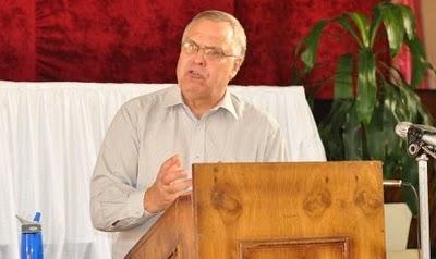 18 - Kobus van der Walt preaching